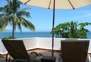 Veranda open to tropical sea breezes