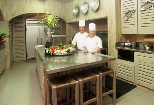 Villa Verano kitchen and chefs.